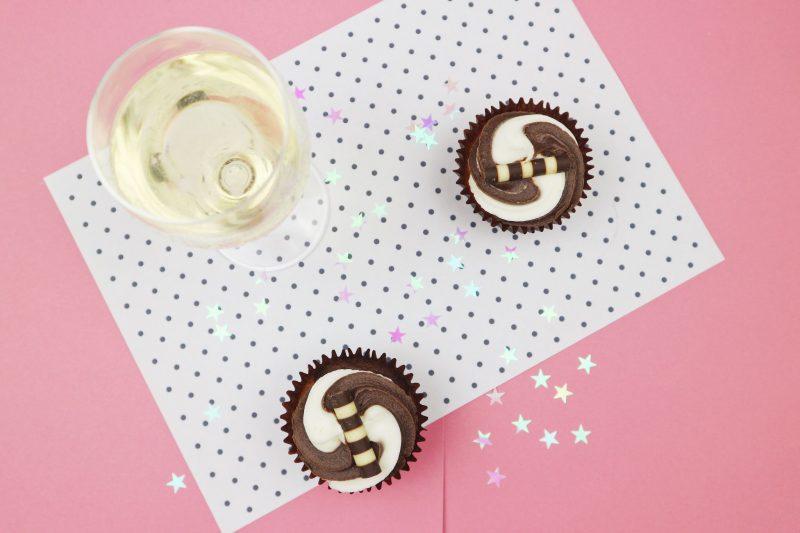 ©Katiewrites.co.uk Happy List, Happy Week, Flat lay, Flatlay, Pink, Cake, Cupcakes, Prosecco, Polkadot, Confetti, Katie Writes Blog, Katie Writes,
