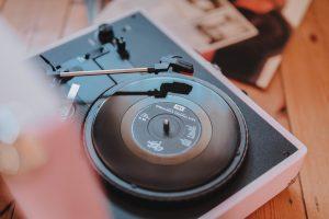 music, records, vinyl, katiebwrites, katiewrites, katiewritesuk, ©Katiewrites.co.uk
