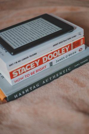 Reading List, Summer, 2019, Holiday Reads, Book Bloggers, Bookstagram, Katiebwrites, Katie Writes,