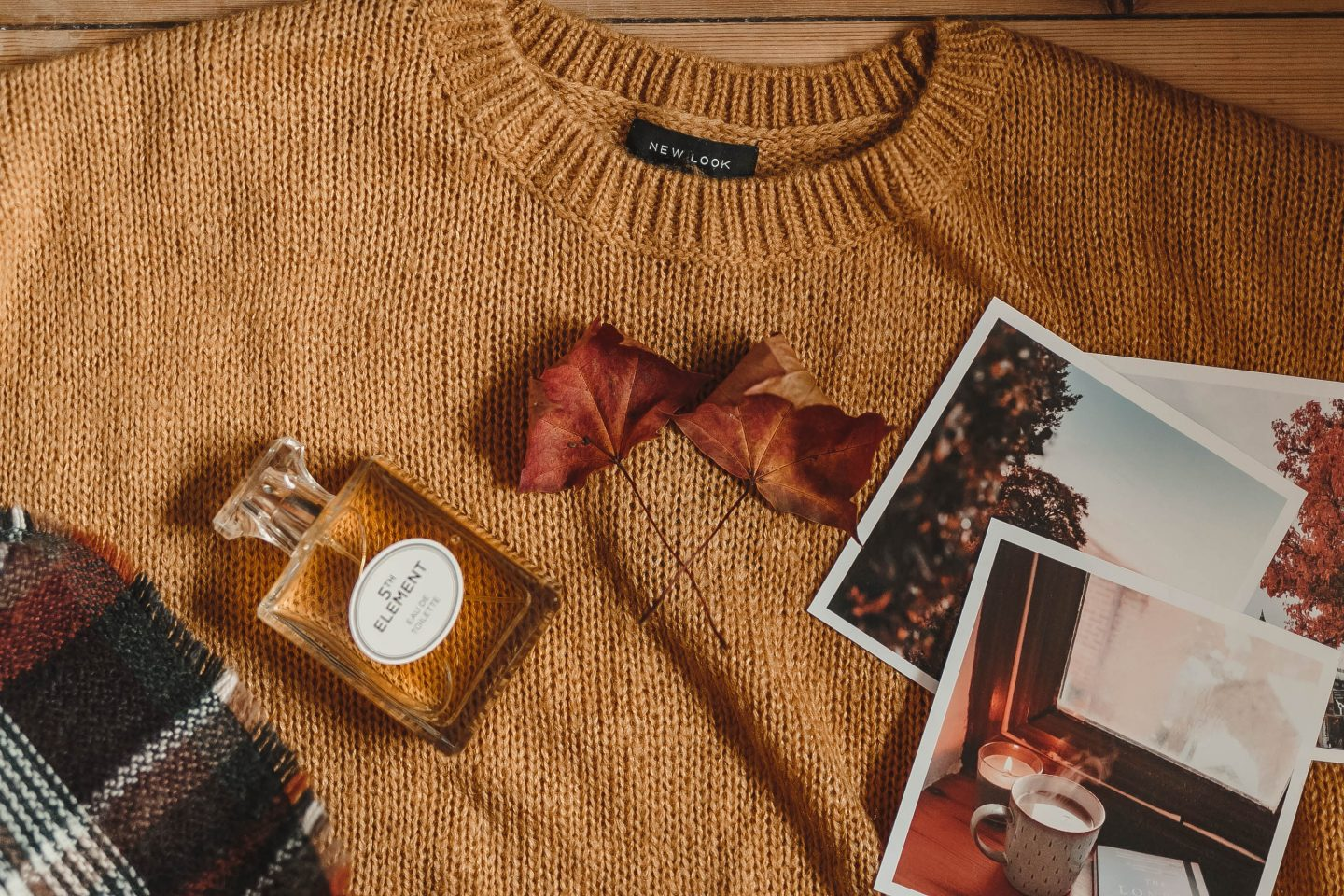 Autumn, Fall, Leaves, Jumper, Autumnal Shot, flatlay, Autumnal Flatlay, Flat lay, Product Photography, Blogger Photos, Mustard colour jumper, Perfume, Chanel No.5 Dupe, katiebwrites, Katie Writes, Derbyshire Bloggers, Derby Bloggers,