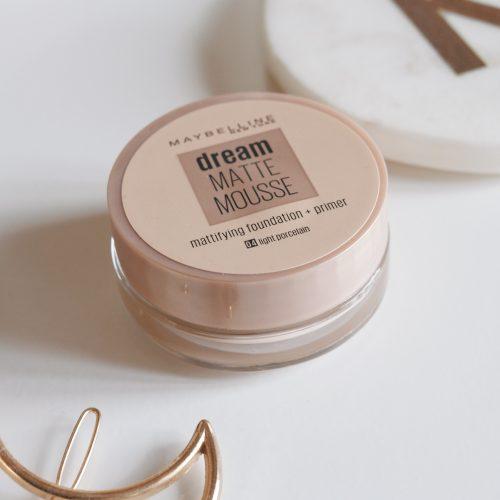 Maybelline Dream Matte Mousse, 04 Light Porcelain, Pale skin foundations, Beauty bloggers,
