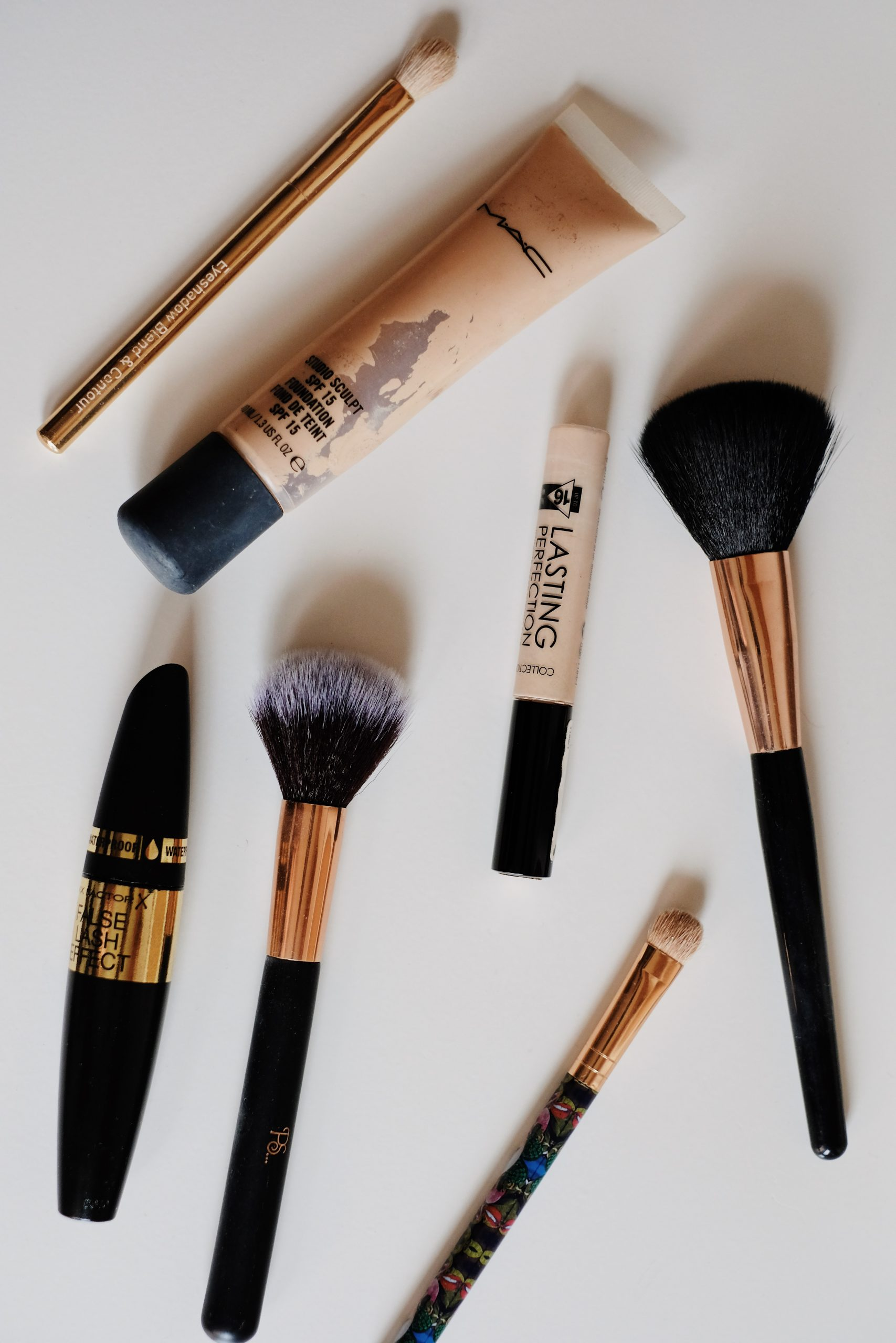 Beauty Favourites, Best beauty products, Beauty bloggers, UK Beauty Bloggers, Katie Writes, Katie Brown Blogger, British Bloggers, British Beauty Bloggers, Favourite makeup and skincare,